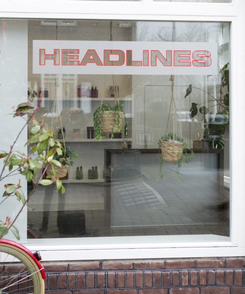 Headlines raam